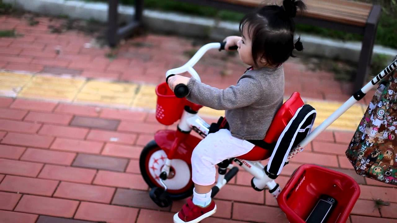 Best-Tricycles-for-2-Year-Olds